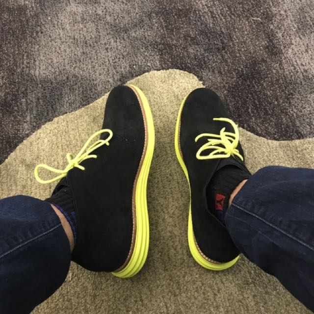 authentic cole haan chukka lunarlon shoes.