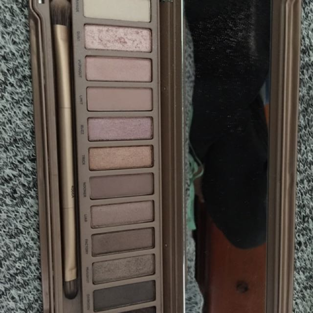 Authentic Naked 3 Urban Decay