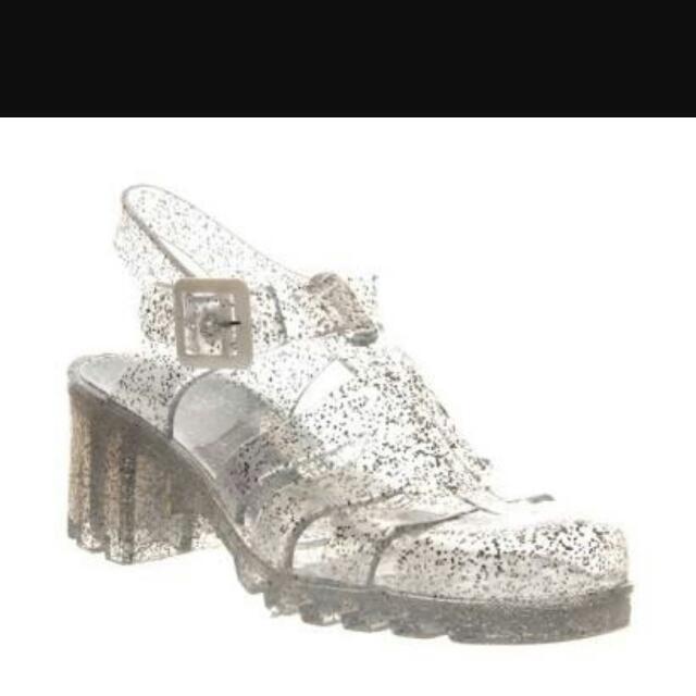 CARI Sepatu Juju Transparan