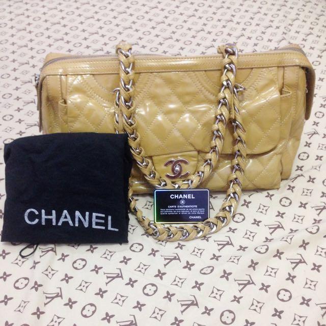 chanel bag (brown)