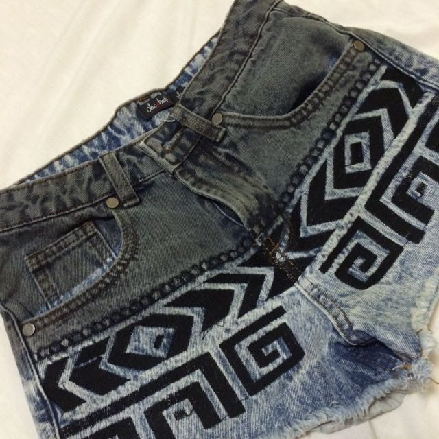 Chicabooti Shorts