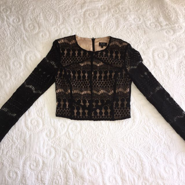 Crop Lace - Long Sleeve (Bardōt)