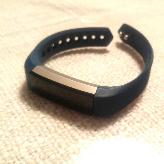 Fitbit Alta: Small Size (Blue)