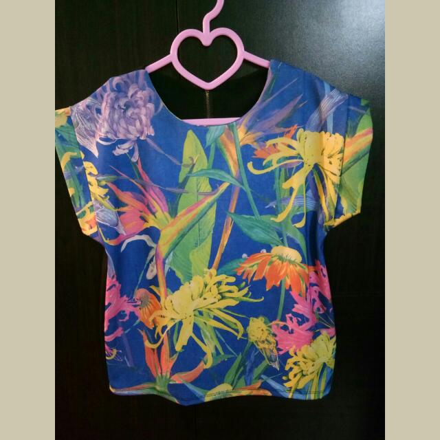 Floral Zippered Back blouse
