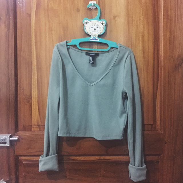 FOREVER 21 GREEN CROPPED SHIRT
