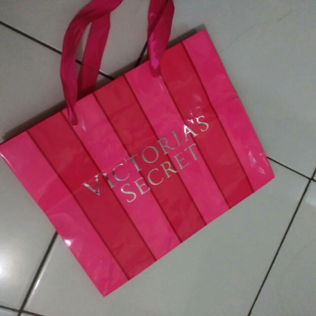 FREE PAPER BAG Victoria secret