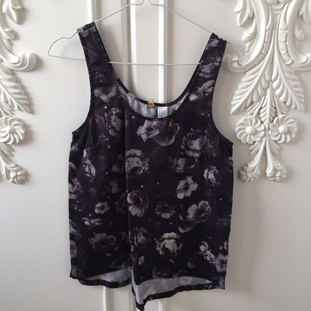 H&M Flower Black Top