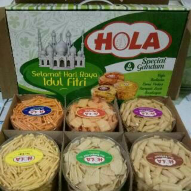 Kue Kering Lebaran Hola Snack Gandum, Food & Drinks, Packaged Snacks on Carousell
