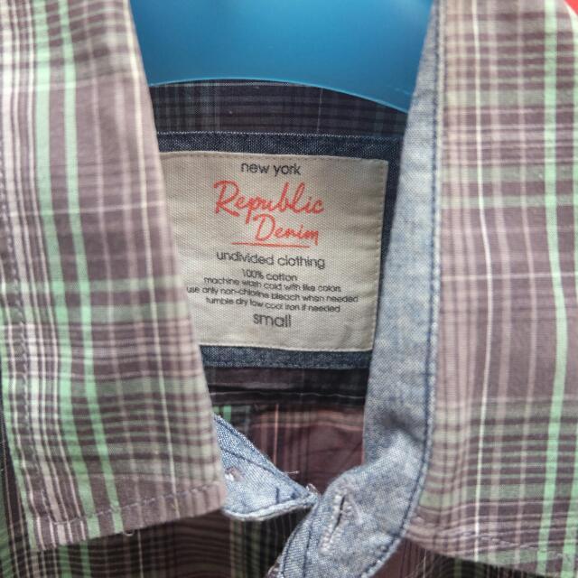 Kemeja Lengan Pendek Brand Republic Denim