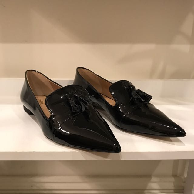 Mode Collective Size 40 Tassel Point Loafer