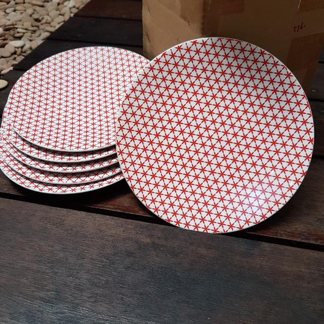 NEW Salad Plate Set of 6,  21cm diameter 125rb