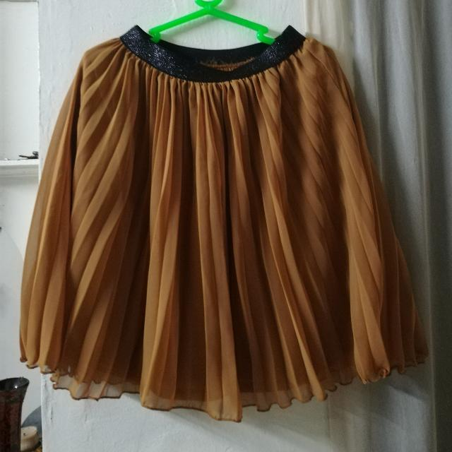 Pletted Skirt (Brown)