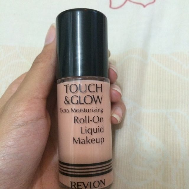 Revlon Foundation Touch & Glow