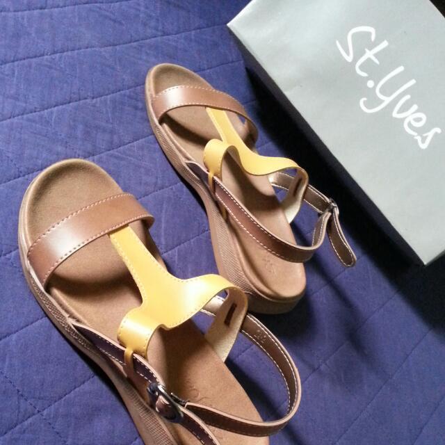 Sepatu Sandal St.yves