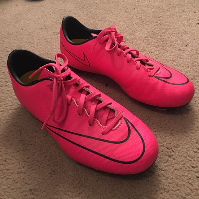 Size 6.5 Pink Nike Cleats