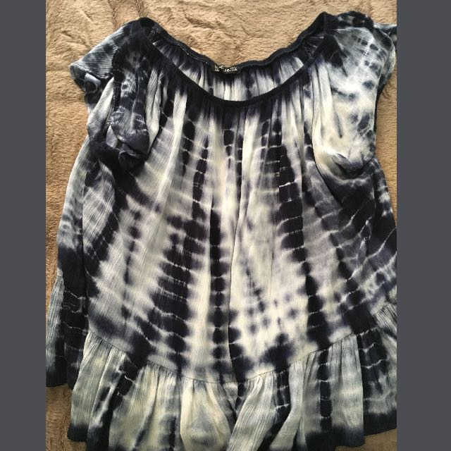 Size Medium Cotton On Flowy Shirt
