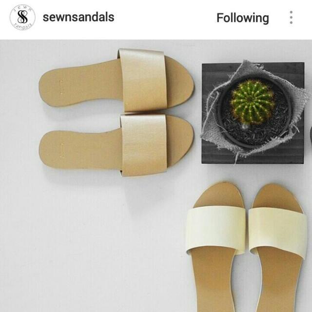 SLIP ON Sandals (White)  ✨FREE SHIPPING within Metro Manila Only✨