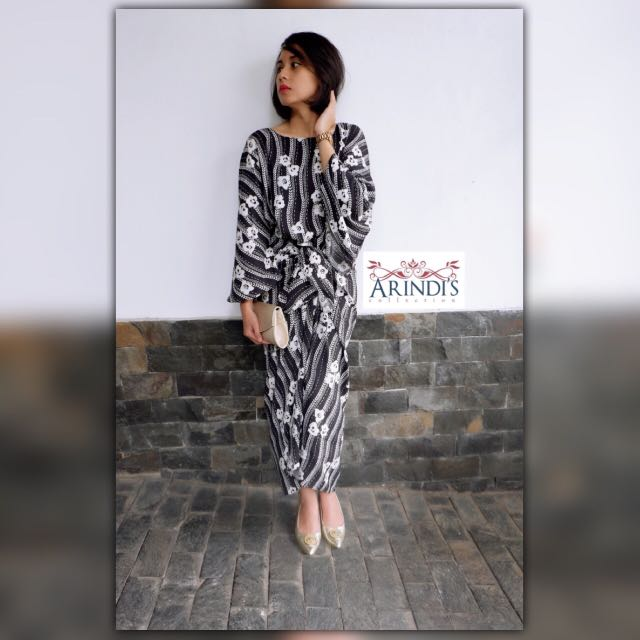 The New HAMRA Kaftan Ikat