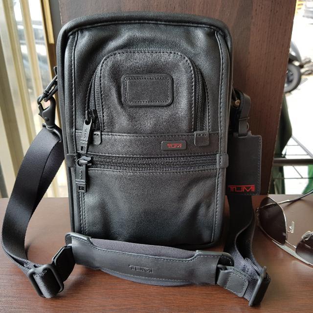 TUMI側背包