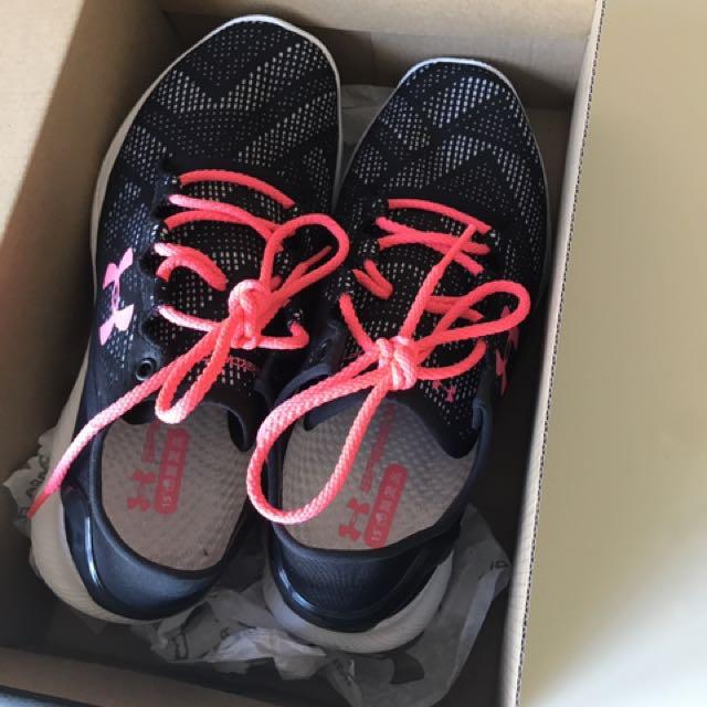 Under Armour Speedform Apollo Vent Women's Shoes. Size UK5.5 EUR39