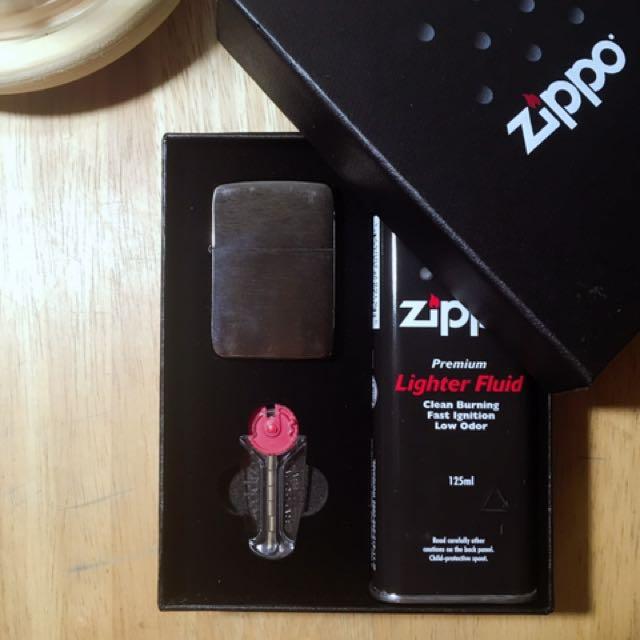 ZIPPO 1941復古款-黑色橫紋霧面