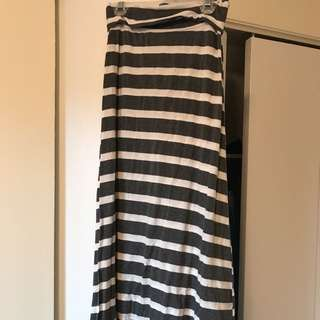 Maxi Skirt Small Nwot