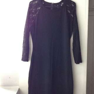 Black Elbow-Length Lace Sleeved Dress