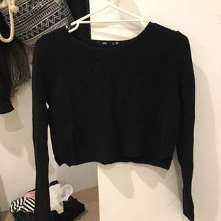 black cropped knit- Brand is 'sportsgirl' size XS