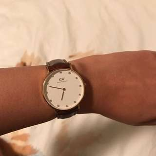 Preloved Daniel Wellington Watch