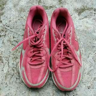 League Sports Shoes