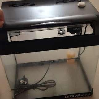 鱼缸 静音1.5w氧气泵 LED灯 过滤槽 过滤棉绝对全新