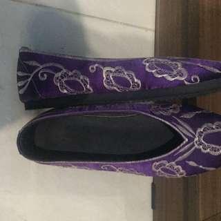 Sepatu Bali Size 39