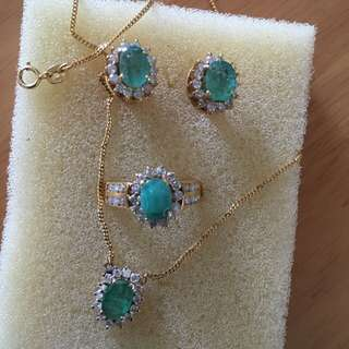 100% Real 14k Yellow Gold With Real Emerald And Diamond Stone