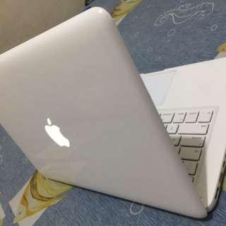 Macbook White Unibody 2010
