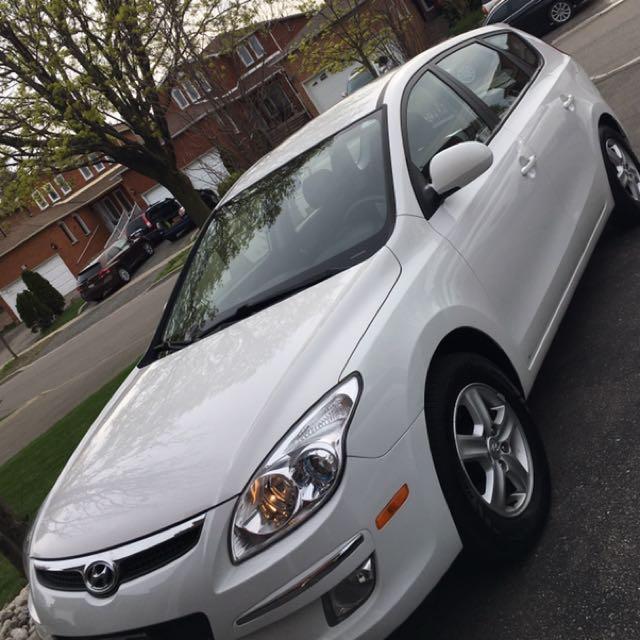 2011 Hyundai Touring