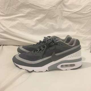 Grey Nike Airmaxes
