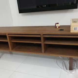 大減價,兩日內交收 Ikea 電視櫃 實木。用左6個月超新