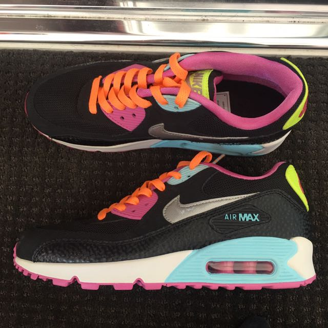 AirMax 90 US 7Y (Women's 8.5US)