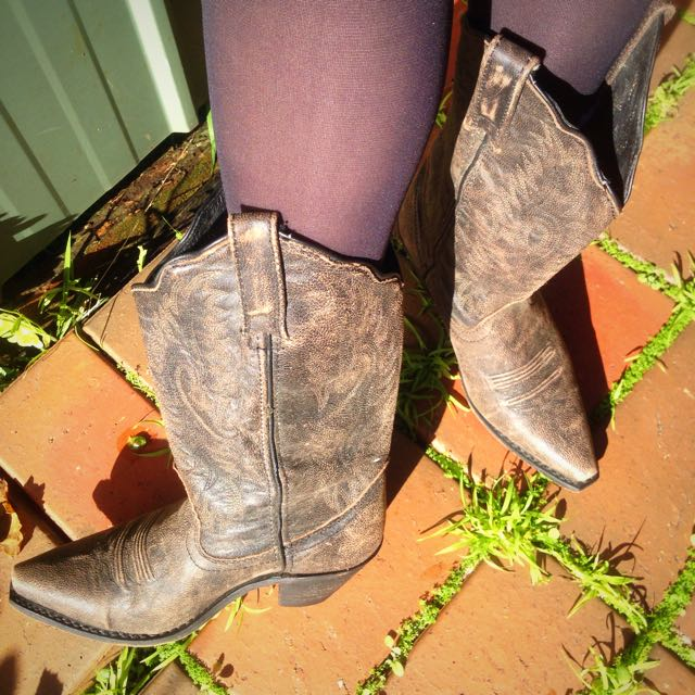 Authentic Cowgirl Boots From Nashville
