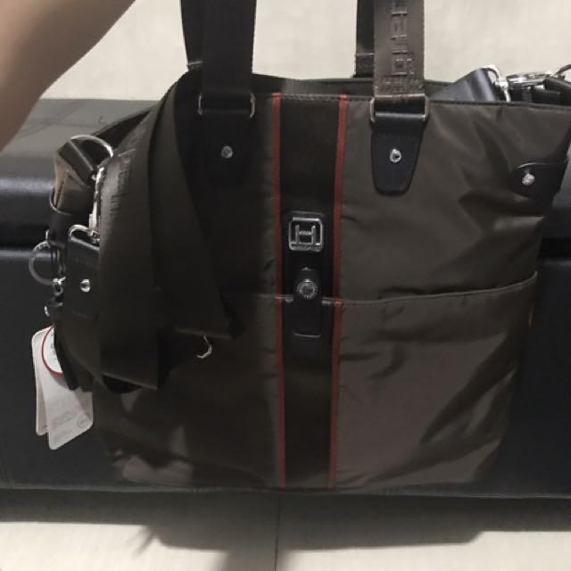 Authentic Hedgren Bag