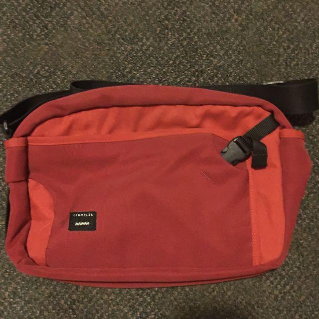 Crumpler Dry Red No. 2 Bag