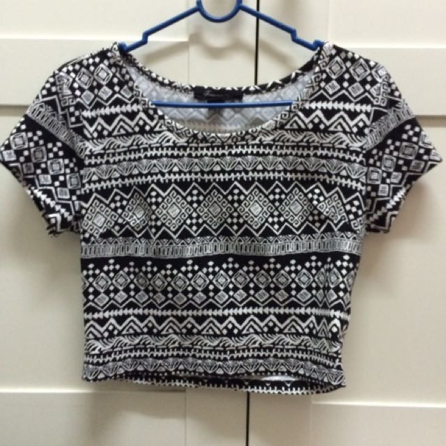 F21 Aztec Cropped Top Size M