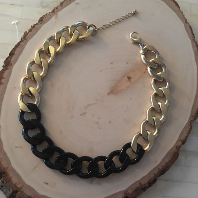 Gold/Black Chain Necklace