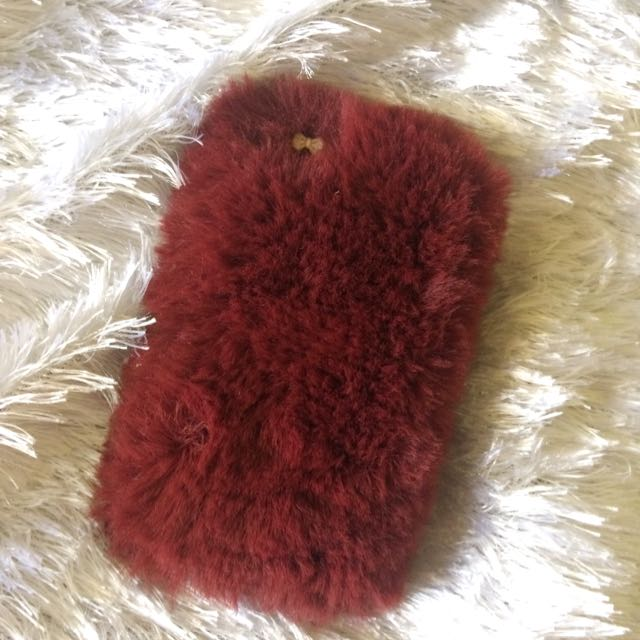 Maroon IP 5S Fur Case