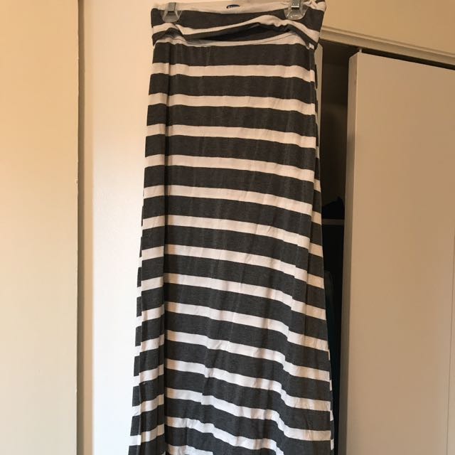 Maxi Skirt Small Nwot