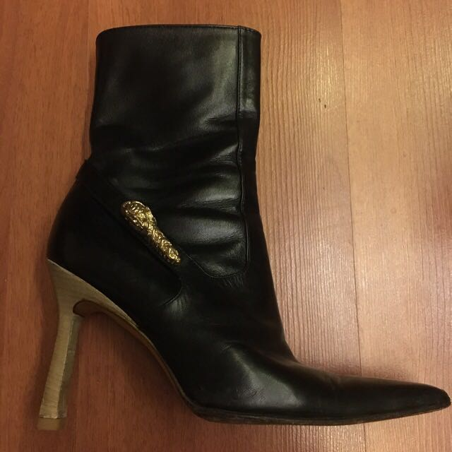 Pre-loved Authentic Gucci Ankle Boots