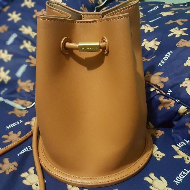 (PRELOVED) (SALE) Bucket Bag Charles & Keith Authentic / Original