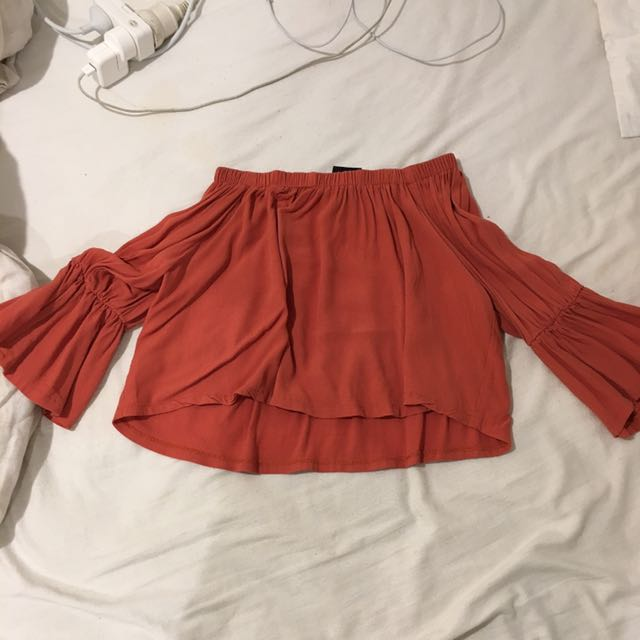 rusty colour off the shoulder top- Brand is 'alice in the eve' size 6