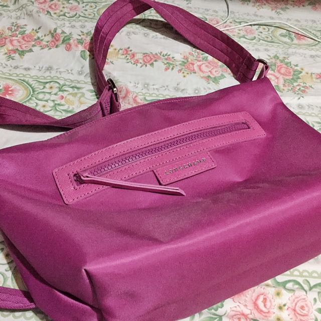 Authentic Sling Magenta long Champ