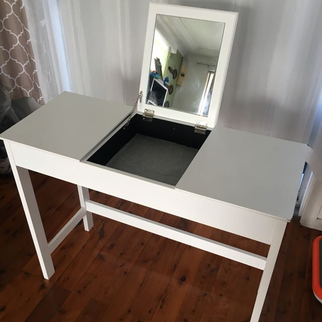 White Vanity/Desk